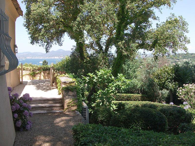 Entretien de jardins jardinier paysagiste saint tropez for Entretien jardin 28